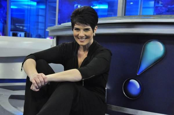 A jornalista apresenta o mais novo programa do estilo, Mariana Godoy entrevista, na RedeTV! (Wayne Camargo / Divulgação RedeTV!)
