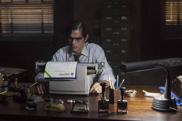 De censor a diretor: Vicente (Marcos Winter) se apaixona por uma das produções e se envolve com o cinema (HBO/Divulgação)