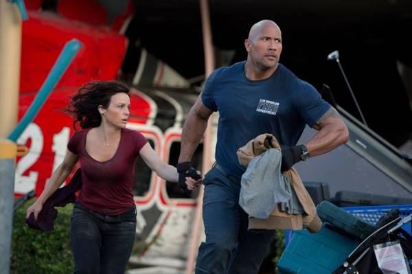 Com muitas cenas de ação, filme prende a atenção do espectador (Warner/Divulgação)