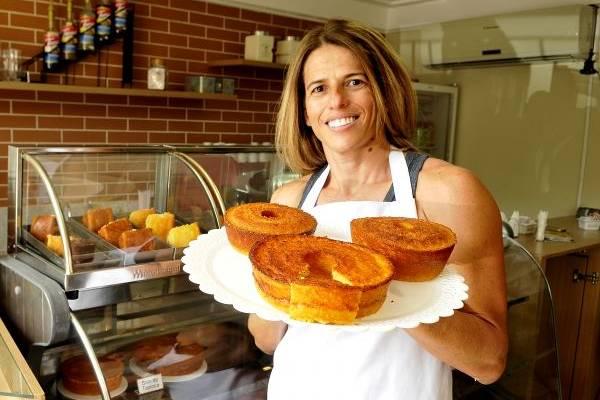 Tradicional bolo de pamonha é feito na versão míni por Lindinalva Rios  (Antonio Cunha/CB/D.A Press)