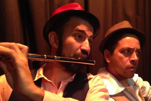 O flautista de Hamelin vai salvar a cidade dos roedores  (Pedro Caroca/Divulgação)