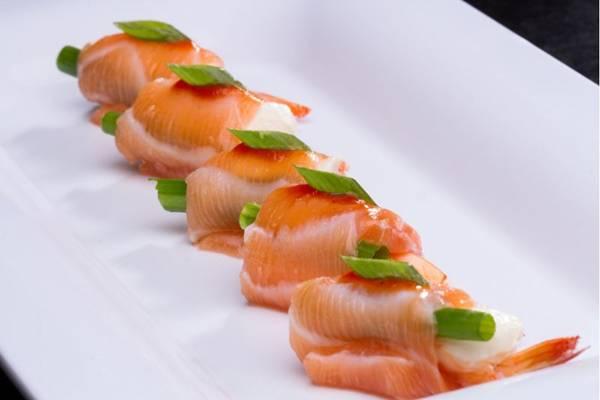 Bem acondicionados, os sashimis do Haná chegam ainda frescos à casa do cliente  (Alan Santos/MacroStudio)