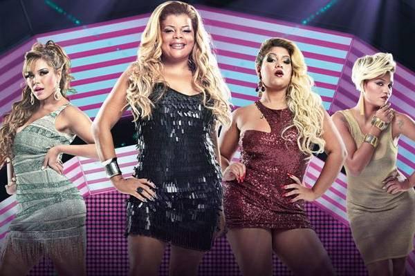 Divas do funk se metem em confusão em programa que se passa em Copacabana (Fox Life/Divulgação)