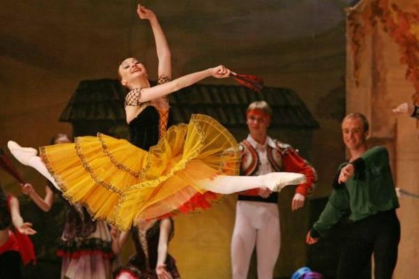 Balé Nacional da Rússia dança Dom Quixote, com 40 bailarinos no elenco  ( M.Logvinov/Divulga??o)