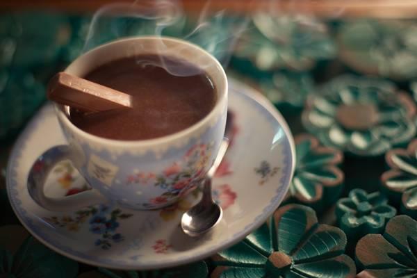 Chocolate quente servido no Quintal f/508 (Equipe f/508 )
