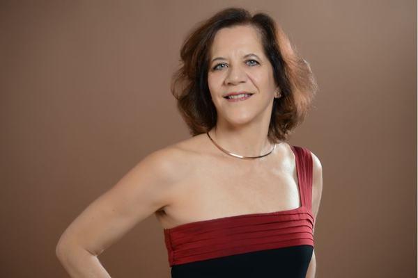 Valéria Zanini: brasileira radicada na Europa interpreta Beethoven e outros.