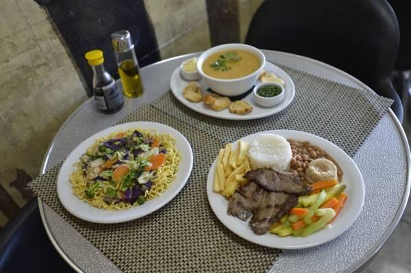 O yakisoba, os caldos e os pratos prontos são alternativas para o cliente do Sanuki sair da crise  (Gustavo Moreno/CB/D.A Press)