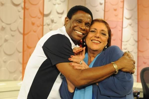 Leda Nagle recebe personalidades em entrevistas variadas (TV Brasil/Divulgação)