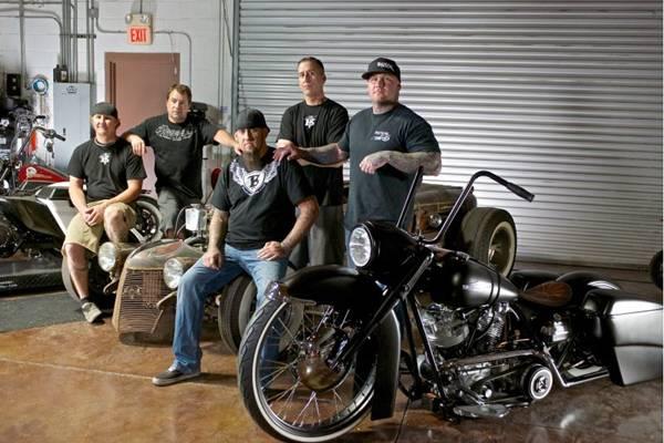Equipes tentam superar problemas técnicos e de projeto em Batalha de motos  (Discovery/Divulgação)