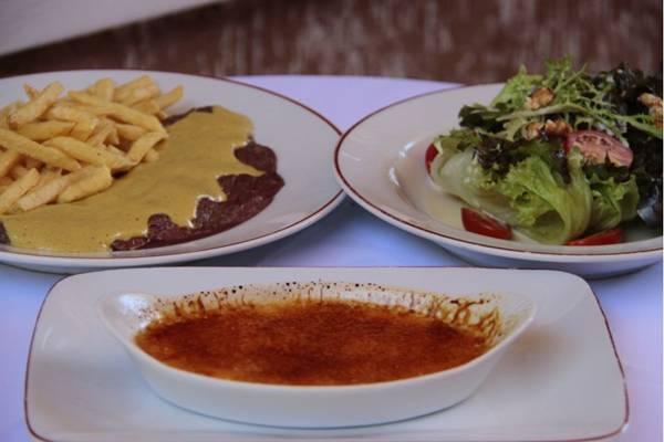 O crème brûlée é servido de acordo com a receita original no L'entrecôte de Paris (Ana Rayssa/Esp. CB/D.A Press)
