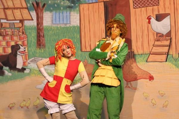 Emília faz uma festa junina para se despedir desta época tão gostosa do ano (Cia Neia e Nando/Divulgação)