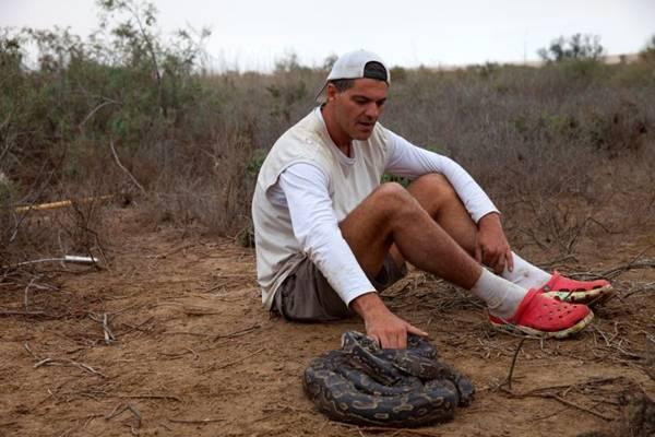 Perdido na África estreia hoje no Discovery: estilo de expedições antigas (Discovery/Divulgação)