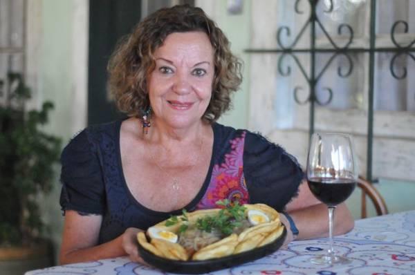 A receita do bacalhau Dom Diniz é uma homenagem ao pai da chef da casa, Olga Soares (Edy Amaro/Esp. CB/D.A Press)