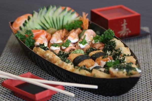 Barca de sushi gourmet do Yummy Sushi, no Riacho Fundo (Rodrigo Nunes/Esp. CB/D.A Press)