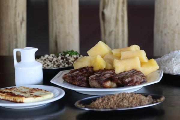 A carne de sol completa serve para quatro pessoas no Zula (Rodrigo Nunes/Esp. CB/D.A Press)