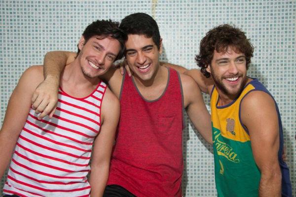 Leandro D'Melo, Miguel Rômulo e Ronny Kriwat - três amigos com dilemas amorosos (Sérgio Baia/Divulgação)
