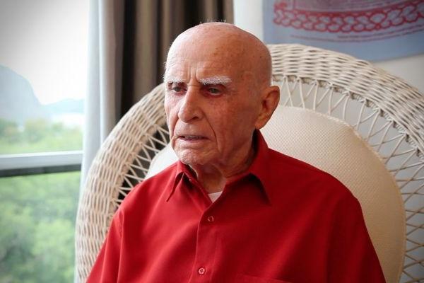 Professor Hermógenes é um dos grandes nomes da terapia holística no Brasil (Bodhgaya Films/Divulgação)