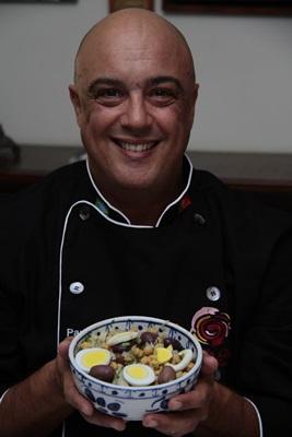 Paulo Vajão entrega receitas frescas na casa do cliente (Ana Rayssa/Esp. CB/D.A Press)