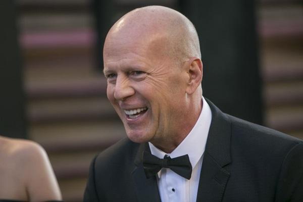 Bruce Willis lidera o elenco do filme  (ADRIAN SANCHEZ-GONZALEZ)