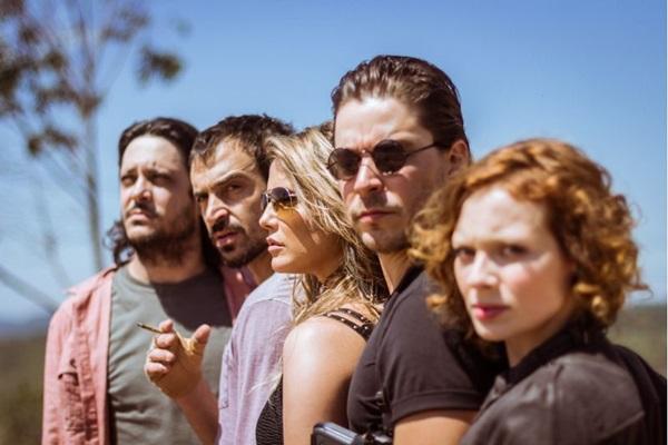 Energia do elenco compensa falhas de roteiro (Urca Filmes/Divulgação )