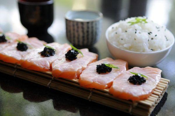 Na culinária japonesa, além do tradicional arroz-gohan, o saquê é feito de arroz (Bruno Peres/CB/D.A Press)