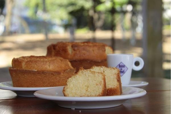O restaurante aposta em bolos diferenciados para atrair a clientela ( Ana Rayssa/Esp. CB/D.A Press)