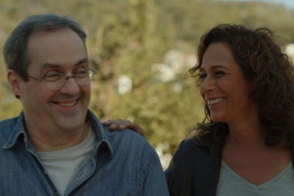 Gabriel e Luíza se encontram após 15 anos separados e recomeçam o romance (Dowtown Filmes/Divulgação)