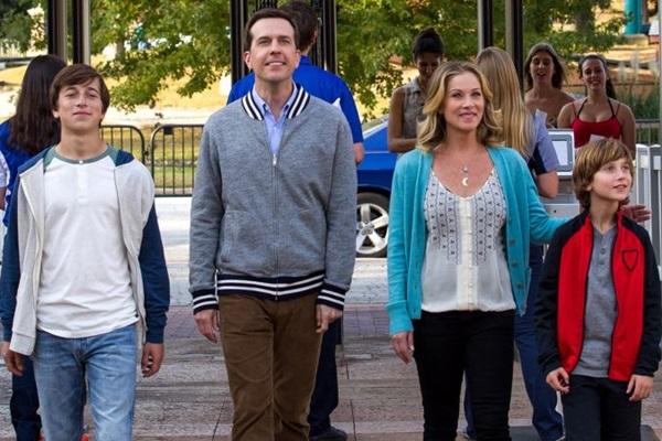 A família Griswold chega ao parque de diversões, onde a trama se desenvolve (Warner/Divulgação)