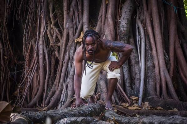 A coreografia mostra a chegada dos portugueses, com a intervenção de índios e escravos (Luiz Müller/Divulgação)
