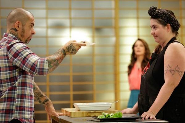 Izabel é avaliada por Henrique Fogaça em Master Chef Brasil.  (Band/Divulgação)