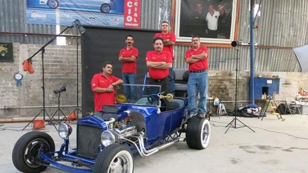 A equipe de Martín reformou um Ford T num dos episódios de Oficina de sonhos (Discovery/Divulgação)