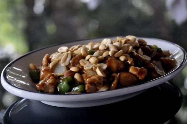 Amendoins dão sabor e um toque crocante ao preparo tradicional  (Antonio Cunha/CB/D.A Press)