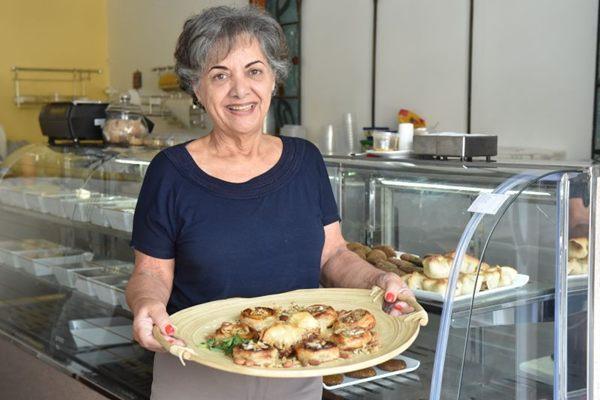 Fátima Hamú é uma das damas da cozinha árabe na cidade (Zuleika de Souza/CB/D.A Press )