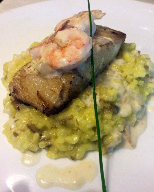 Robalo ao molho de camarão é um dos destaques do menu da Forneria Parole ( Liana Sabo/CB/D.A Press)