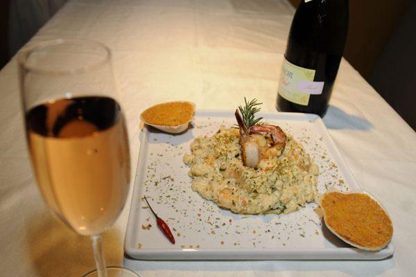 Pratos harmonizados com espumante. Risoto de camarão e casquinha de salmão, do Restaurante Metropolis (Carlos Moura/CB/D.A. Press)