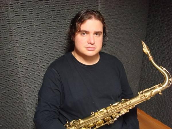 Bruno Medina traz saxofonistas de várias partes do mundo para tocar no Complexo Cultural da Funarte (Henrique Medina)