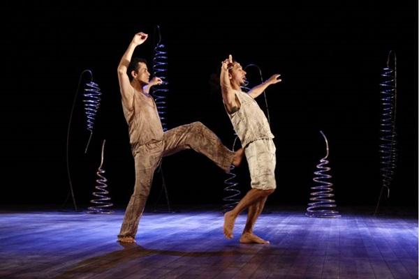 'Nascentes' é um clássico do repertório da Companhia Alaya Dança (Dmitri Valença/Divulgação)