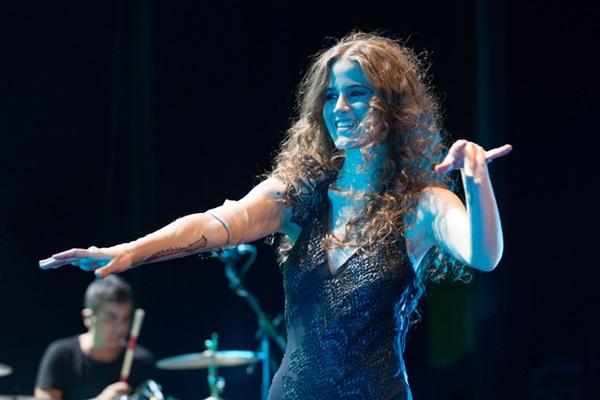 Ana Cañas apresenta canções de seu quarto disco, Tô na vida (Marcos Hermes/Divulgação)