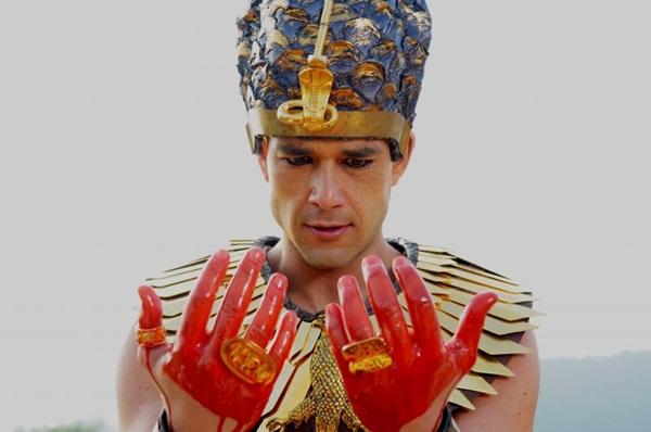 Ator Sergio Marone como Ramsés em cena da novela Os dez mandamentos (Munir Chatack/Record)