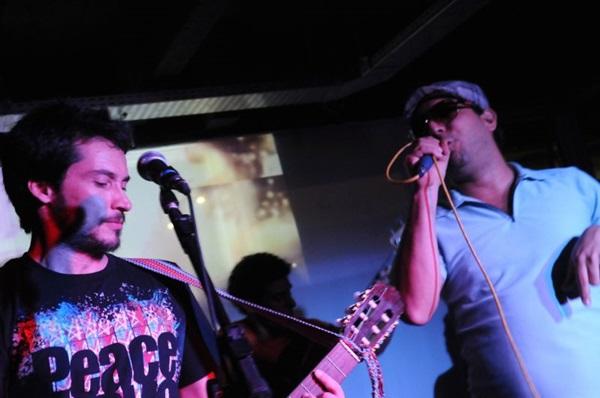 Leo Goulart e Márcio Leal durante a festa Noites Quentes  (Luis Xavier de França/ Esp.CB/ D/D.A Press)