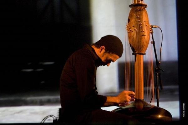Pela primeira vez em Brasília, o músico Victor Gama traz show que mescla ritmos africanos e música clássica (Niklas Zimmer/Divulgação)