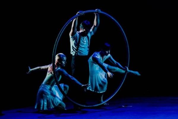 O diretor do grupo, Gustavo Lobo, integrou o Cirque Du Soleil  (Guilherme Maia/Divulgaçao)