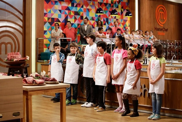 Cena do primeiro episódio do MasterChef Junior, exibido no dia 20/10/2015, na TV Bandeirantes. (Carol Gherardi/Band)