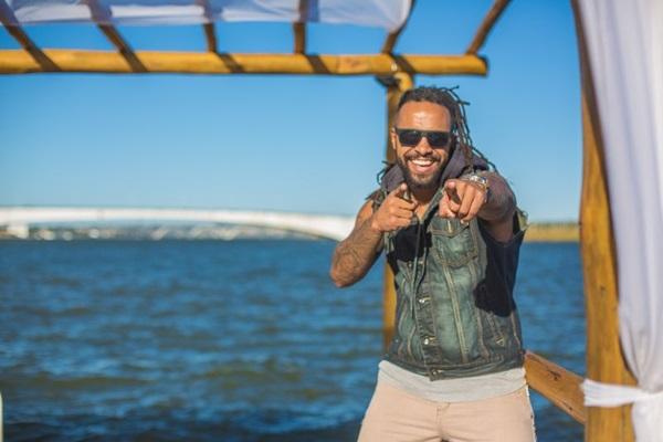 Guga Santana, da banda Camafeu, se divide entre Salvador e Brasília (Will Louva Deus/Divulgação)