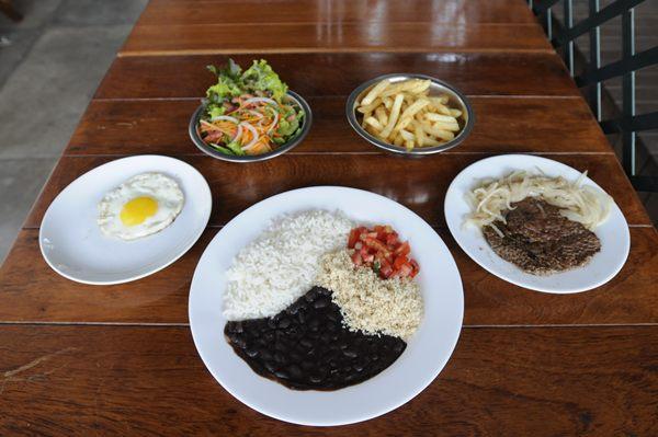 Cardápio do Pe Efê: nome é brincadeira com as iniciais dadas aos pratos feitos  (Carlos Moura/CB/D.A Press)