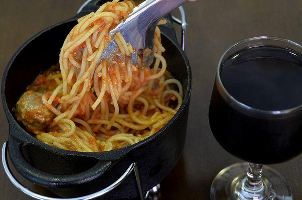Espaguete ao molho sugo com mini almôndegas da Usina  (Marcelo Ferreira/CB/D.A Press)