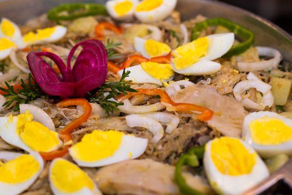 A bacalhoada é parte do bufê servido no almoço de domingo no Chão de Estrelas  (Fabio Setti/Divulgação)