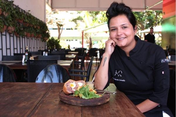 Chef serve o bolovo com batatas rústicas, que conferem o toque porteño da receita  (Hugo Gonçalves/Esp. CB/D.A Press)