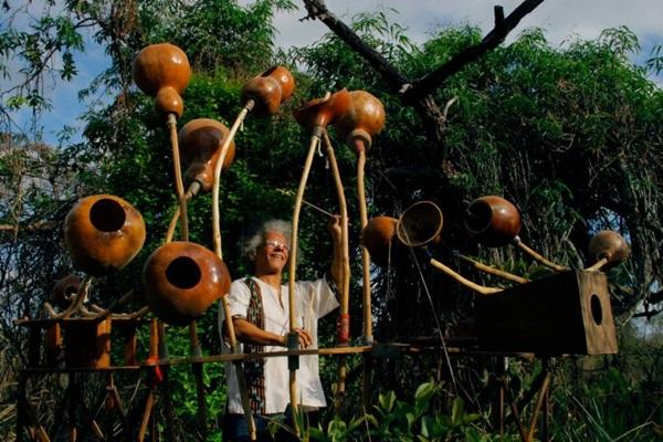 Renato Matos e seu ziriguidum são ícones da cultura da cidade (Reprodução/Internet)