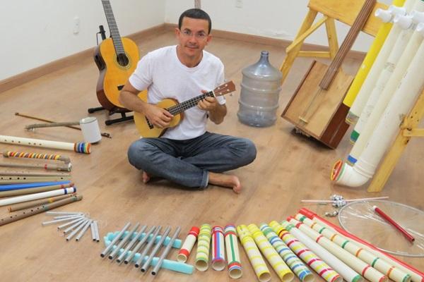 Temas como conscientização ecológica são cantados por Júlio Vasconcelos em faixas como Por favor não jogue lixo no chão  (Divulgação )